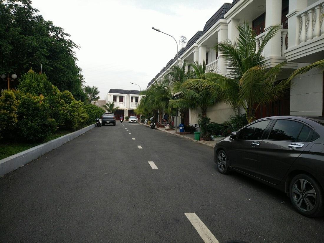 nhà phố champaca làng đại học, nhà phố champaca quốc lộ 1k, nhà phố champaca dĩ an, nhà phố champaca bình dương, mua bán nhà phố đông hòa